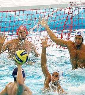 http://2.bp.blogspot.com/_yb2d361YVNI/SeUq933fpoI/AAAAAAAAAA8/6eWgJ6sgiSw/s320/polo+aquatico.jpg