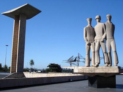 http://2.bp.blogspot.com/_ybOEQlcoHnM/SsYBsOAtX0I/AAAAAAAAAFM/JXCL7XR0J9s/s400/monumento-aos-pracinhas+2.jpg