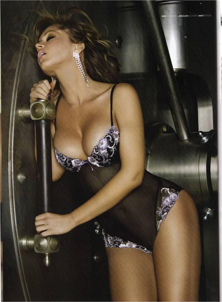 http://2.bp.blogspot.com/_yberMRekEGc/R8jRgulhGbI/AAAAAAAAF6w/X8krUOOhvco/s1600/Gabriela%2BSpanic-65.jpg