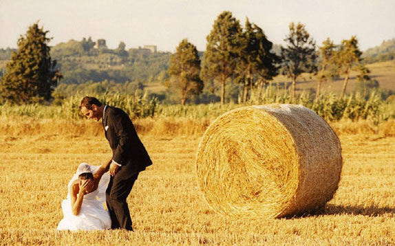 Millions of people dream Tuscany to be the setting for their wedding