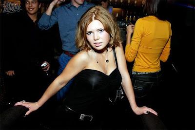 young-girl-nudes-bent-over-jenna-haze-interracial-video