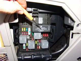 2001 Dodge Intrepid Turn Signal Relay Location on 04 jeep liberty fuse box diagram