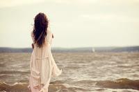 http://2.bp.blogspot.com/_ycy2QcXcyX4/TFLi0-mOkVI/AAAAAAAAALI/E_kZ8hzKKH4/s1600/back,dress,horizon,water,alone,girl-f7237054f369aca58041b635c3bfa3d2_h.jpg