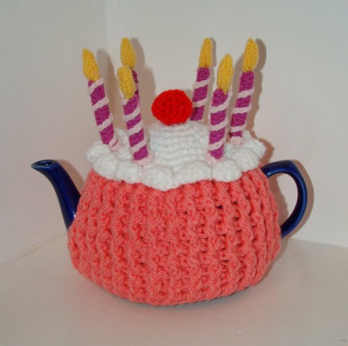 Free Cake Knitting Patterns : Busy Crafting...: Birthday Candles Knitting Pattern for Cup Cake Tea Cosy