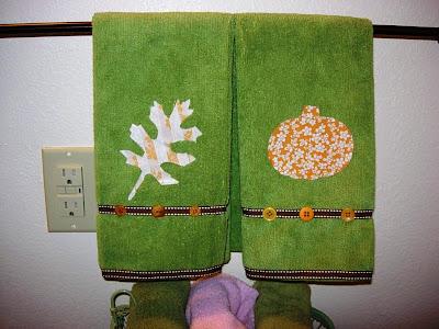 No-Sew Fall Bathroom Towels