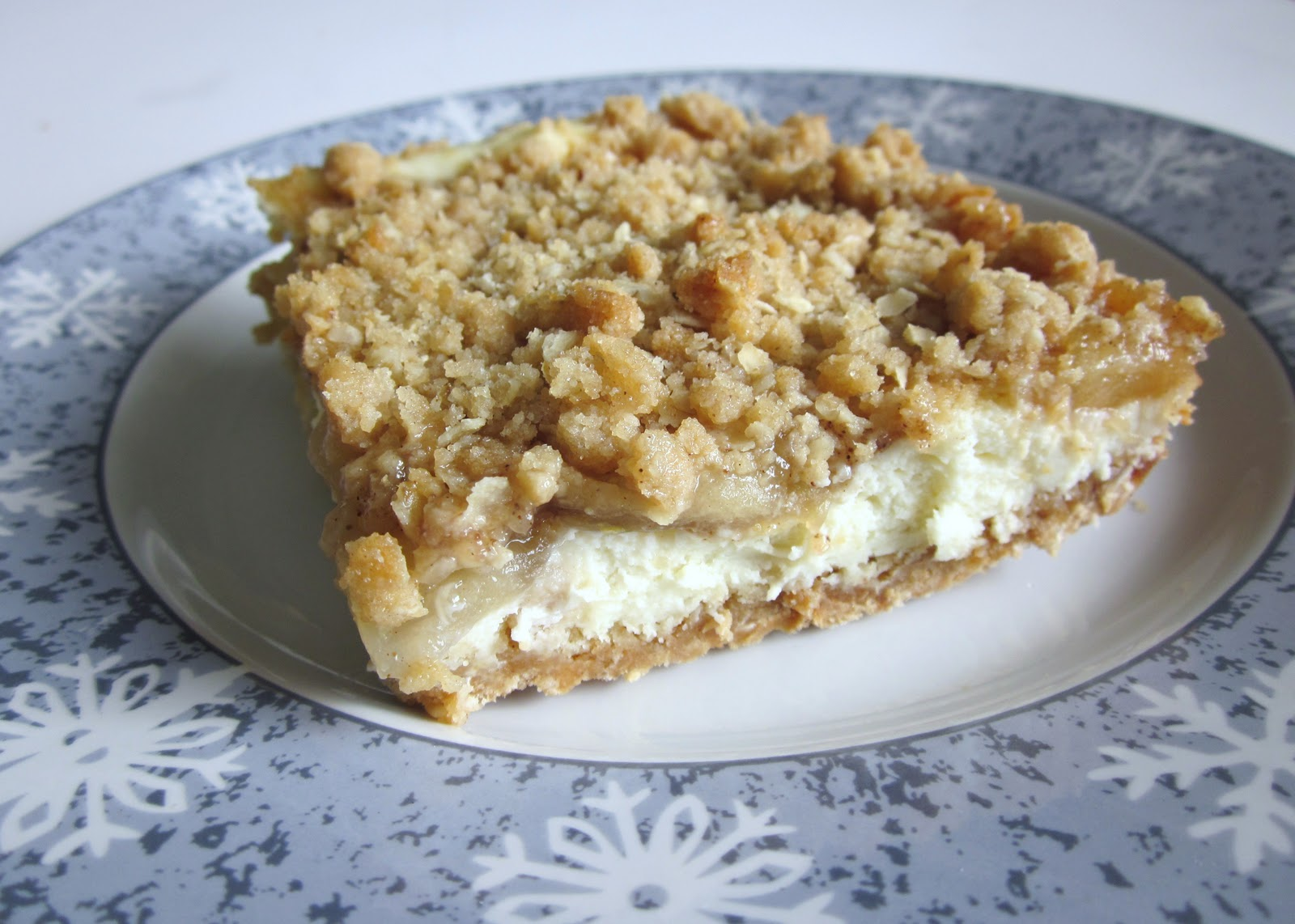 Today's Fabulous Finds: Apple Streusel Cheesecake Bars--Yum!
