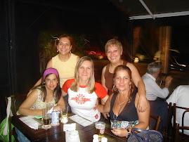 HAPPY HOUR DAS MULHERES COLORADAS