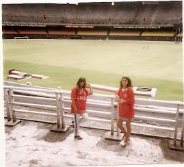 Eu e a Lú, em 96 no Maracanã sempre com o Inter.