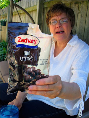 Zachary Mini Caramels