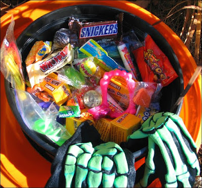 Evil bowl of candy in the rushes