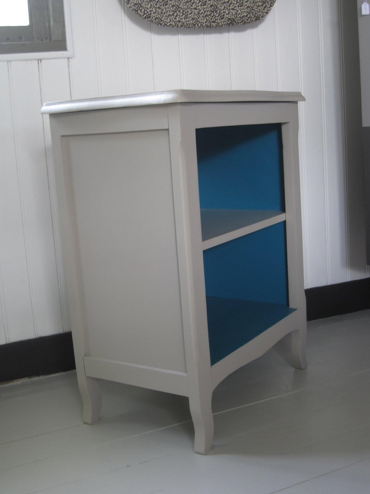 le loup rose la vanille petit meuble gris. Black Bedroom Furniture Sets. Home Design Ideas