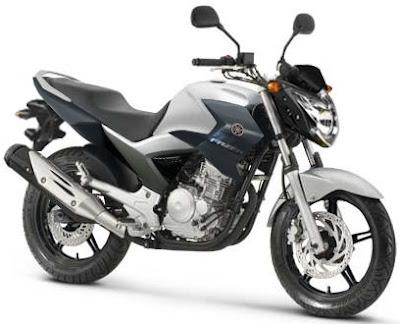 250cc Sport Motorcycle on Strange Black Sport   Yamaha Fazer 250cc