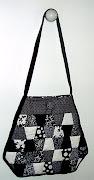 Bolsa:  Trapézios em branco e preto