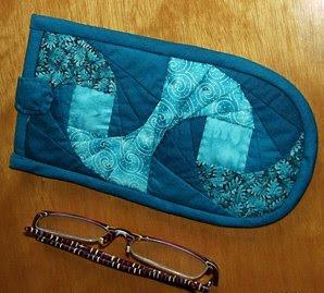 Porta-óculos: espiral azul