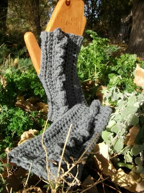 Fat Cat Crochet: Elegant Wrist Warmers