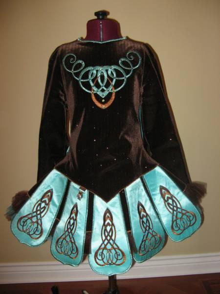 Irish Dance Costume & Irish Step Dancing: Irish Dance Costume