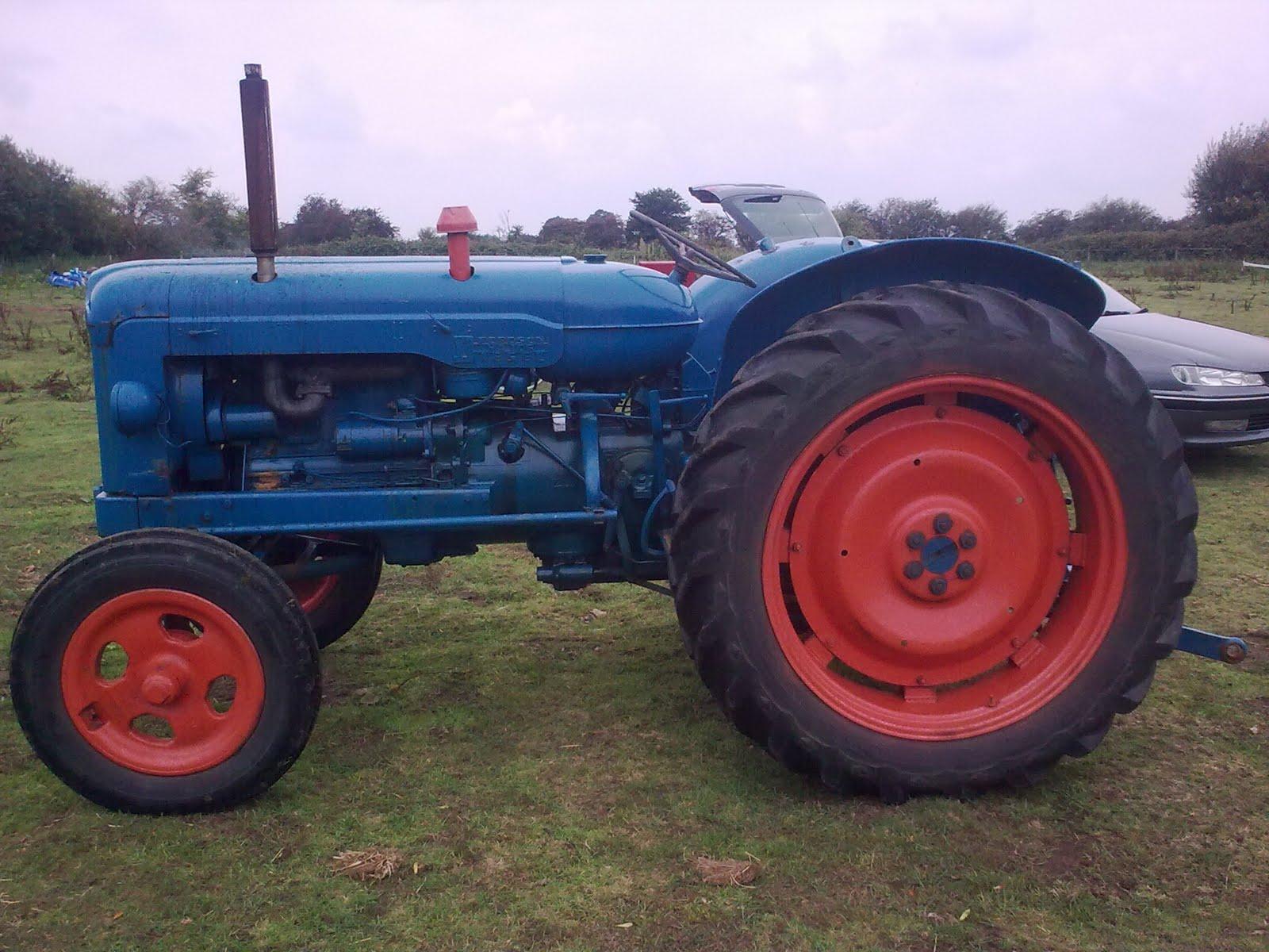 1957 Fordson Major Diesel Tractor : Jack my fordson major tractor