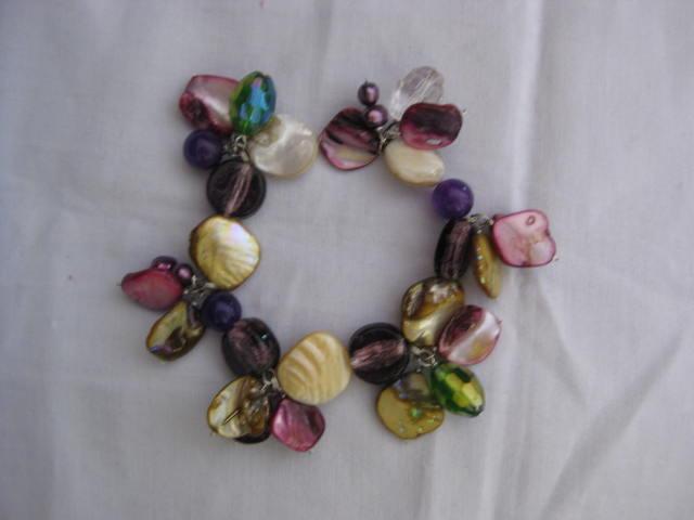 P01 Pulsera en Madre Perlas, Murano y Cristales Checos