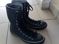 CONVERSE LEATHER BOOT 6 UK