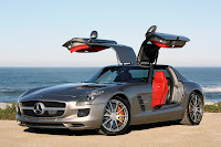 Super Comercial do Mercedes-Benz SLS AMG (Asas de Gaivota)