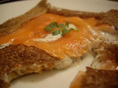 Crepes salees Norvegienne au saumon fume