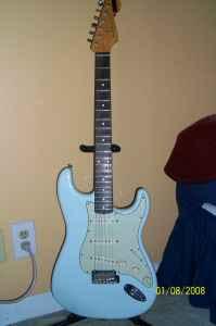 Craigslist Vintage Guitar Hunt: Fender Classic Player ...