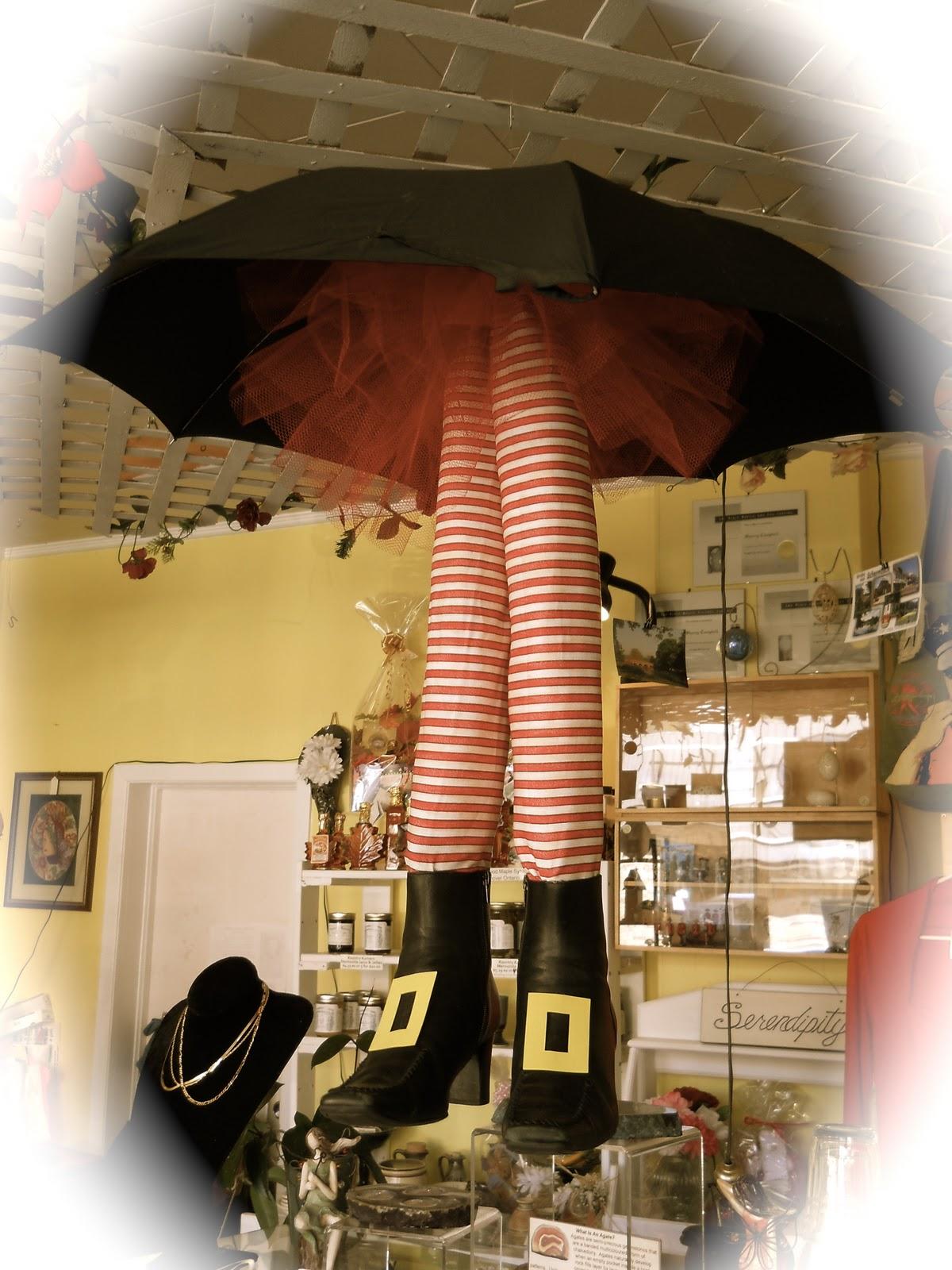 Sherrys on Main Gifts &amp Goodies: Halloween Window Display - Retail Halloween Decorations