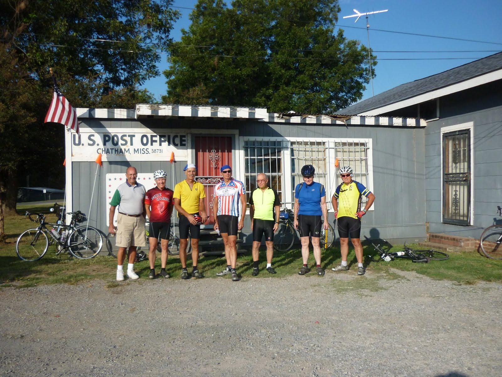 Mississippi washington county chatham - So We Found Ourselves In Front Of Roy S Store On The Corner Of None Other Than Roy S Store Rd And E Washington Lake Rd From Left To Right Are Emiel John