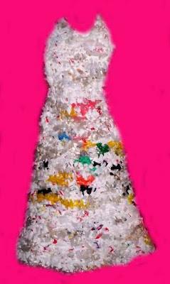 Vestido de novia hecho con bolsas