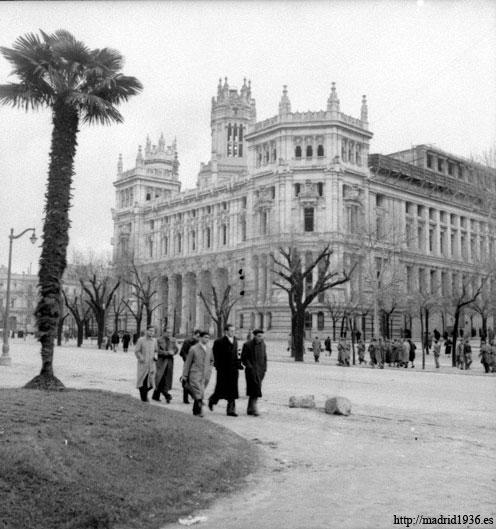 La defensa de madrid for Edificio correos madrid