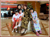 Snapshot of my daughters-in-law and grandchildren, at the lobby of Quality Hotel, just outside Benteng Coffee House