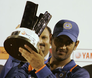 Dhoni lifts Asia Cup