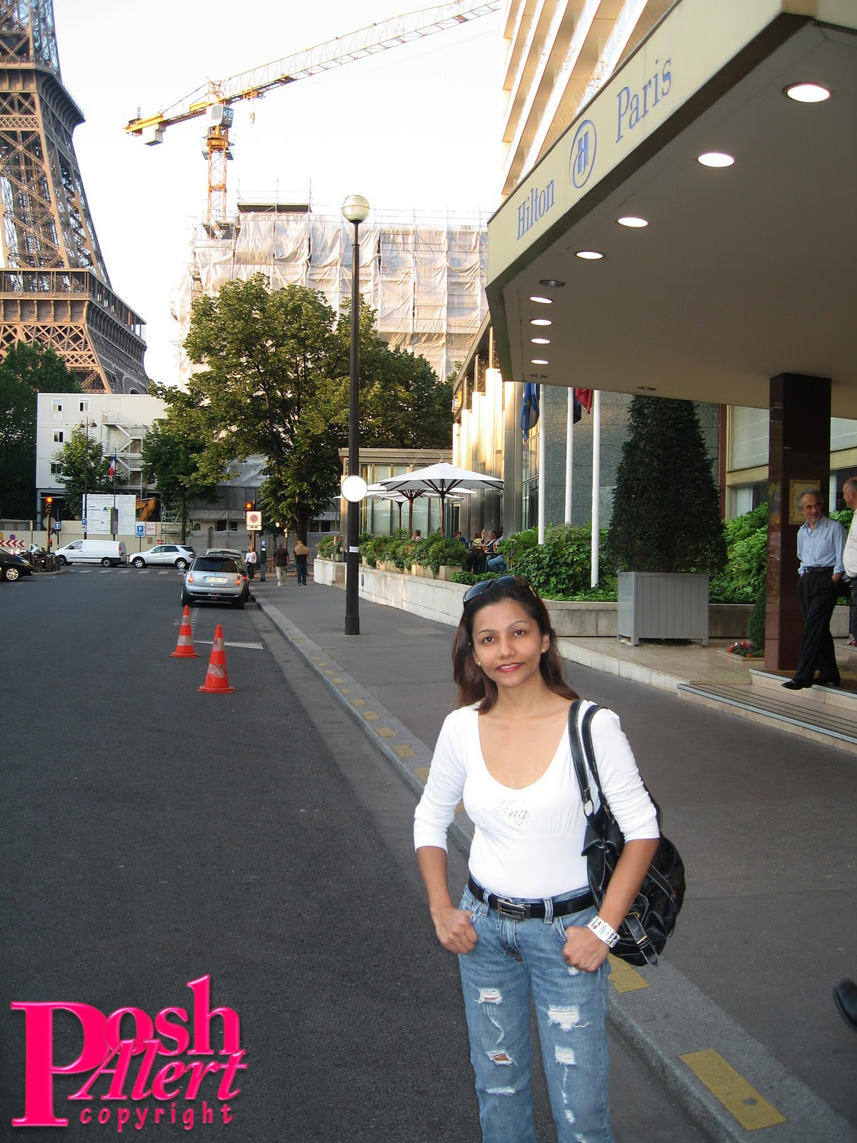 http://2.bp.blogspot.com/_yx_tu6ASO4o/TOkjUVb5TPI/AAAAAAAACHw/r6LR6jx_JFo/s1600/Paris057-poshalert.JPG