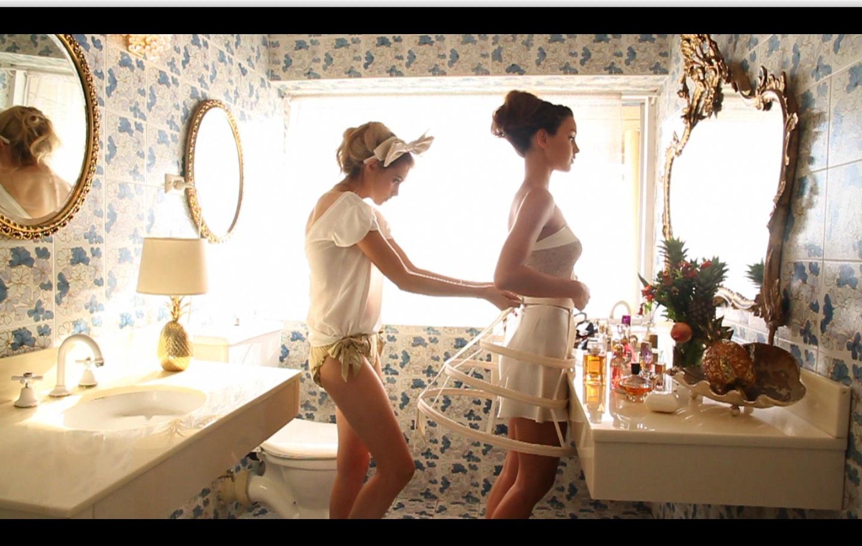 Фото голых девочек перед зеркалом, Девушки у зеркала KyKyRyzO 2 фотография