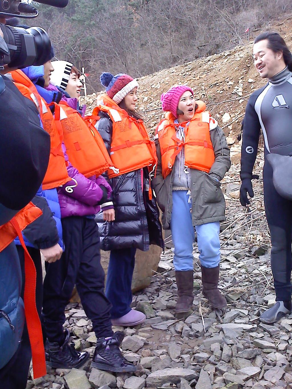 100324 Yoona @ Family Outing 2 - 319.0KB