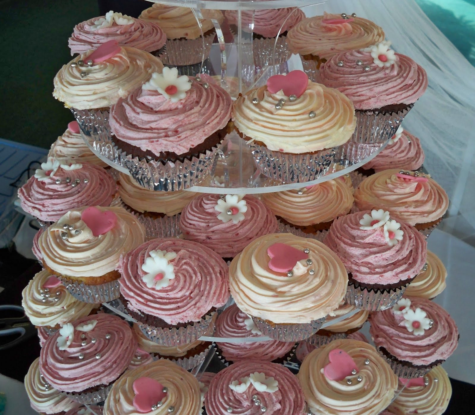 cupcakes pink white and silver
