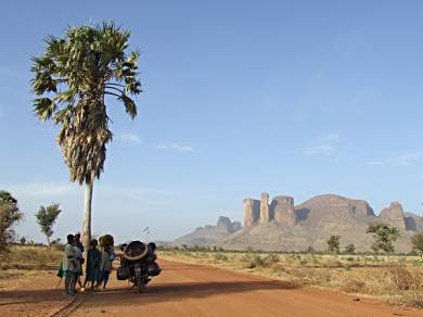 The Road To Timbuktu. Thanks to www.horizonsunlimited.com