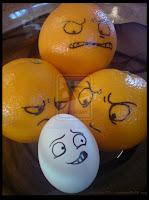 Muchos huevos con caritas