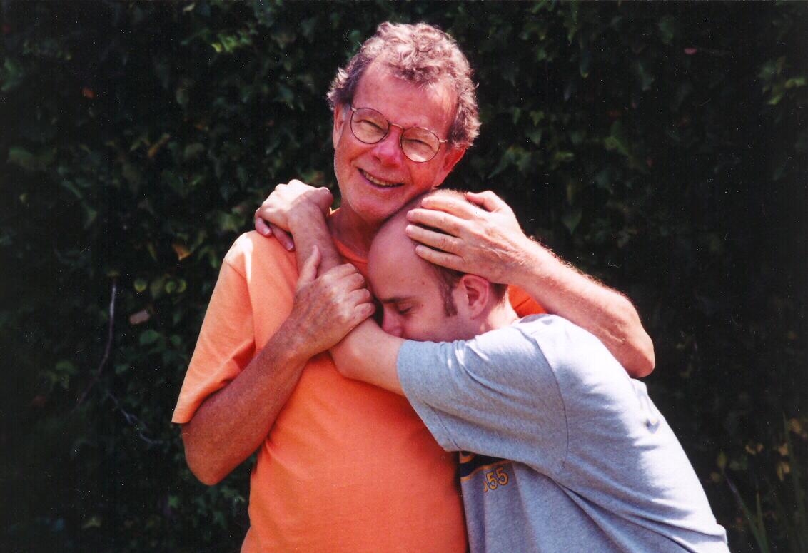 [Taro+Bobby+Hug]
