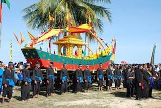 Iraw Tengkayu - Visit Tarakan Desember 2009
