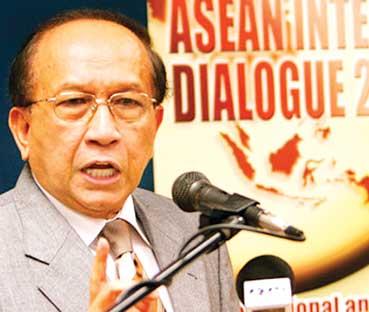 Menteri Malaysia Perkosa TKW - Borneo