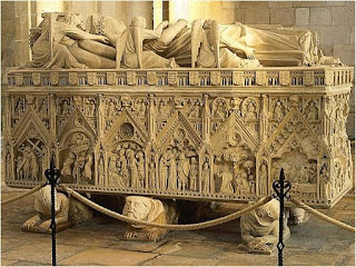 Túmulo de D. Inês em Alcobaça