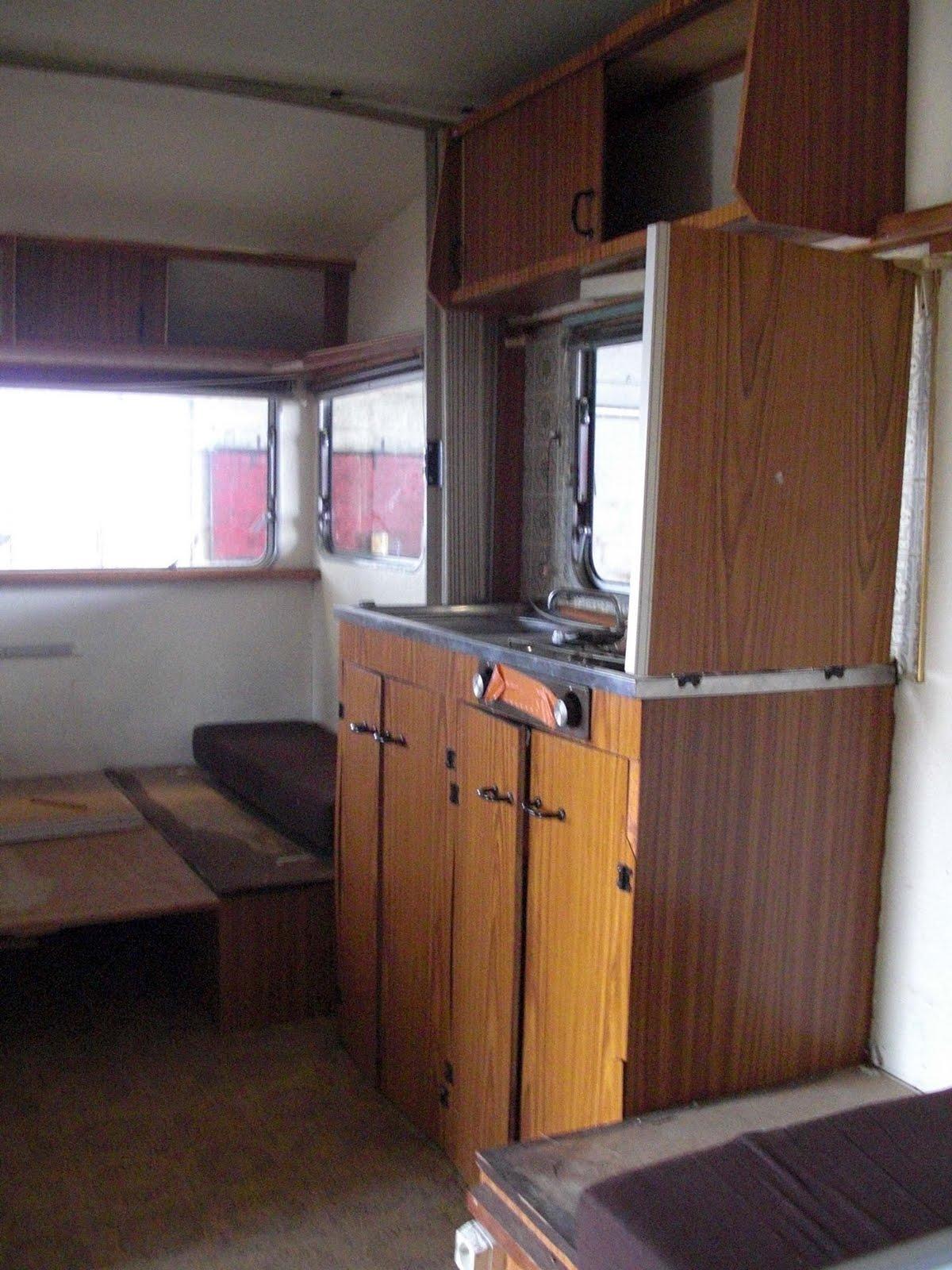 rose capucine caravane relook e une petite beaut avant les vacances. Black Bedroom Furniture Sets. Home Design Ideas