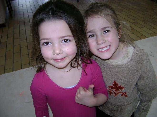 Suzanne & Clémence ( danse créative 4/5 ans )