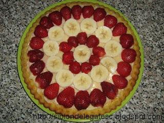 reteta de tarta cu banane si capsuni