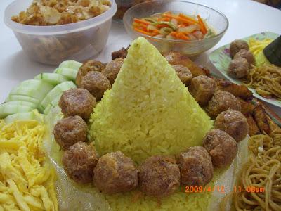 Resep Keluarga Cinta: Tumpeng nasi kuning ulang tahun ...