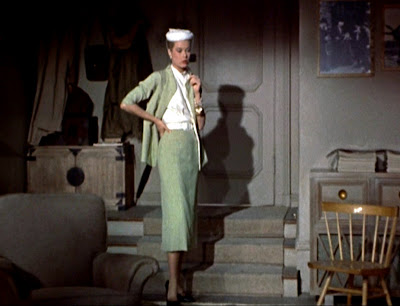 http://2.bp.blogspot.com/_z67Us5gYrk8/TOpvdoq-GOI/AAAAAAAAAIg/7I-rn-LJ_a0/s1600/Rear-Window_Grace-Kelly_green-suit_full-length_bmp-4.jpg
