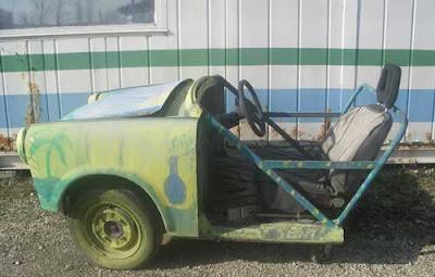 Trabant-car-funny-hungarian-ungarische-vitzig-vicces-buhera