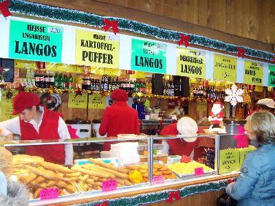 Bécs Wien Austria Ausztria karácsony vásár vicces funny Tannenbaum langosok langos ungarische spezialitet