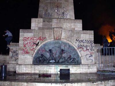 szovjet emlékmű Szabadság tér Budapest Magyar Televízió